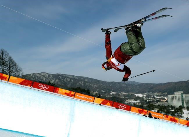 Cassie Sharpe soars in freestyle halfpipe