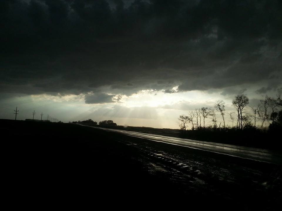 East of Souris about 8 p.m. on May 29, taken by Westman Storm Chasers. (Mandi Dessureault Grayston on Facebook)