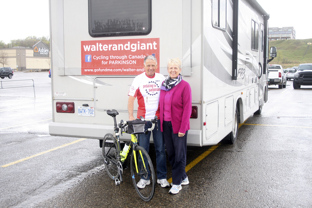 Walter and Regula Reich stopped in Brandon during Walter's cross-country bike trip to raise money for Parkinson's disease. (Colin Slark/The Brandon Sun)