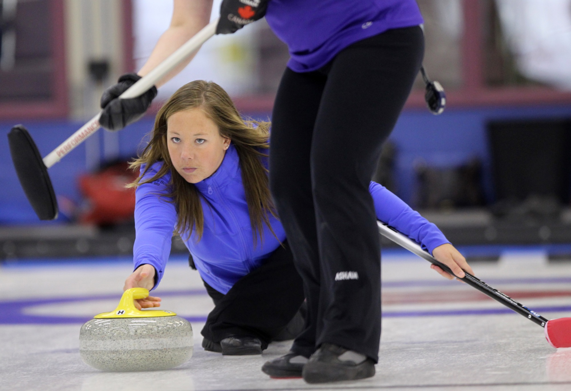 Stacey Fordyce throws a rock during the championship final of the 79th Annual Brandon Ladies Bonspiel at the Brandon Curling Club in 2015. Fordyce and her partner Steve Irwin will be looking to be in the championship final of the mixed doubles provincials this weekend.