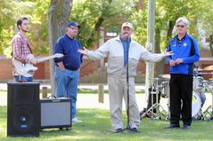 Communities in Bloom National Judge Stephen King speaks at a picnic hosted by the City of Brandon for city workers and volunteers that contribute to Brandon's Community in Bloom effort as well as the two national Communities in Bloom judges in town at Coronation Park on a sunny Thursday afternoon.