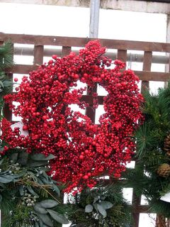 A wreath need not be made of boughs; berries were used to make this colourful wreath. This photo was taken at The Green Spot.