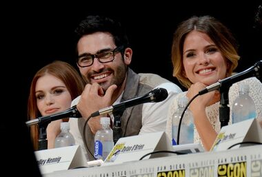 From left, Holland Roden, Tyler Hoechlin and Shelley Hennig attend the MTV
