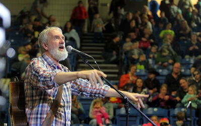 Famed children's entertainer Fred Penner performs in a full amphitheatre during the afternoon session of the Royal Manitoba Winter Fair on Thursday.