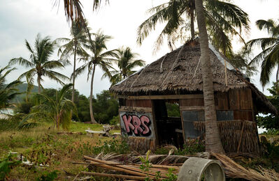 This is a derelict bar on Koh Ma. The service was terrible. I am still waiting for my drink.