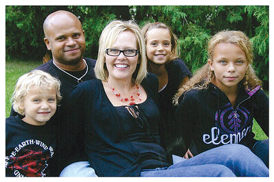 Brian McAllister and Shauna McKinnon, with their three children — (from left) Will, Ronnie and Karly. McKinnon successfully donated a kidney to her daughter Karly in November.