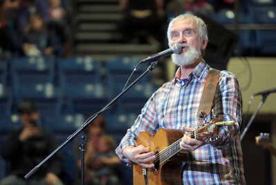 Children's entertainer Fred Penner performs in a full amphitheatre during the afternoon session of the Royal Manitoba Winter Fair on Thursday.