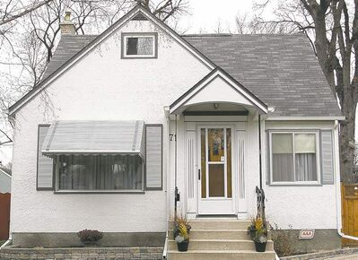 FULL CLOSE CUT CLOSECUT - WAYNE.GLOWACKI@FREEPRESS.MB.CA Homes Sold  71 Greene Ave.   Winnipeg Free Press Nov.15 2010  House home.