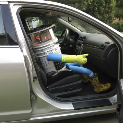 Hitchbot gets ready to roll.