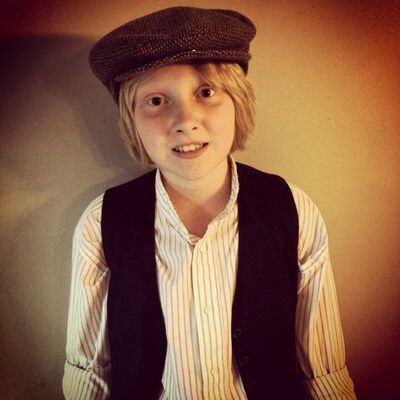 Brandon actor Carter Sherris will dress as a vintage-style newsboy to hawk copies of the Brandon Sun on Saturday. The copies will feature a reproduced front page from 100 years ago, announcing the start of the First World War. Sherris will be outside of Forbidden Flavours at 18th Street and Brandon Avenue from 9–10 a.m. on Saturday. Proceeds from the sale and any additional donations will go to the Shilo Military Family Resource Centre.