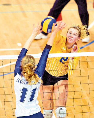 Brandonite Lisa Barclay, a fifth-year left side with the UBC Thunderbirds was named the Canadian Interuniversity Sport women's volleyball player of the year on Thursday.