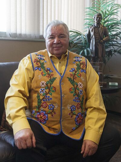 In an interview in which he called Premier Brian Pallister cruel, the Manitoba Metis Federation's president David Chartrand said the premier is playing politics with the lives of his people. Chartrand says there is no plan in place to vaccinate vulnerable Métis. (Winnipeg Free Press)</p></p>