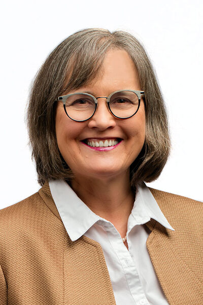 Elaine Froese will be recognized by the 4-H Distinguished Alumni Award for her work in communications and agriculture.
