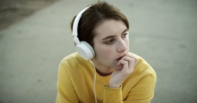 This photo released by Tribeca Films shows Emma Roberts as April in a scene from the film,