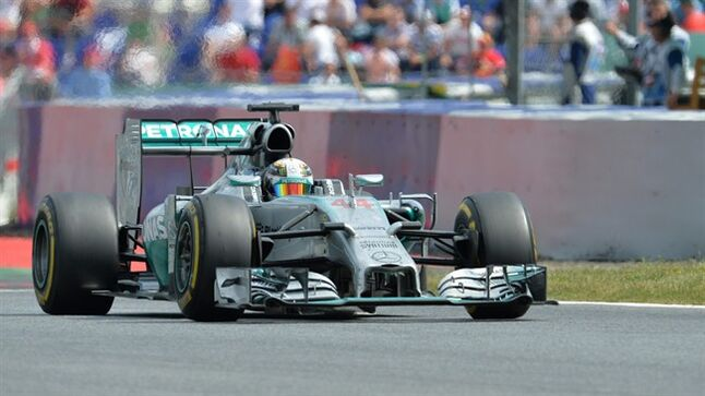 Mercedes driver Lewis Hamilton of Britain steers his car during the Austrian Formula One Grand Prix race at the Red Bull Ring in Spielberg, Austria, Sunday, June 22, 2014. (AP Photo/Kerstin Joensson)