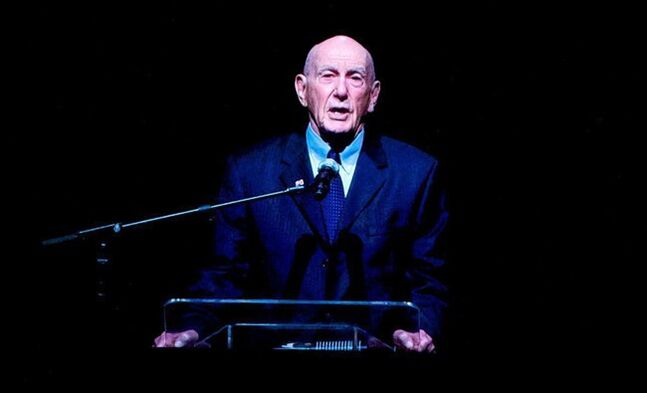 Former Portland Trail Blazer coach Jack Ramsay speaks on Nov. 8, 2010. THE CANADIAN PRESS/AP, The Oregonian, Bruce Ely