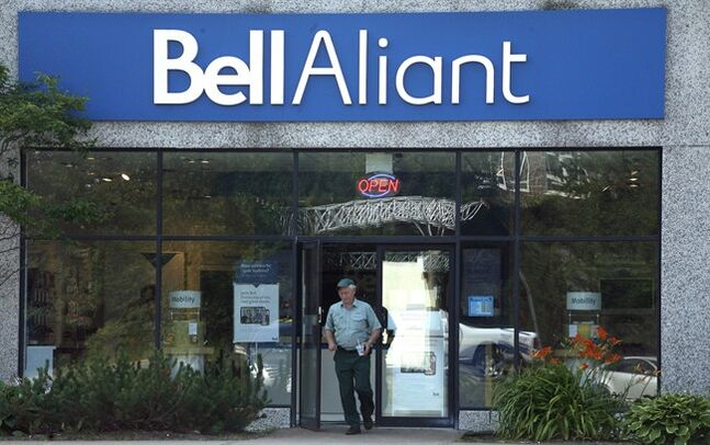 A customer leaves a Bell Aliant retail location in Dartmouth, N.S. on July 23, 2014. THE CANADIAN PRESS/Darren Pittman