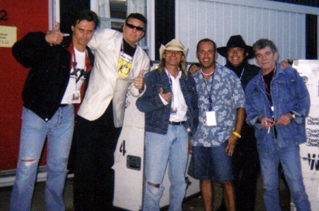 In the photo (L-R): Yours truly, Rick Nielson (guitarist for Cheap Trick), Robin Zander (lead singer, Cheap Trick), Kelly Berehulka (promoter for WCLC), Tom Peterson (bassist, Cheap Trick) and Dan McCafferty (lead Singer for Nazareth). At least Robin Zander got the ripped jeans memo.