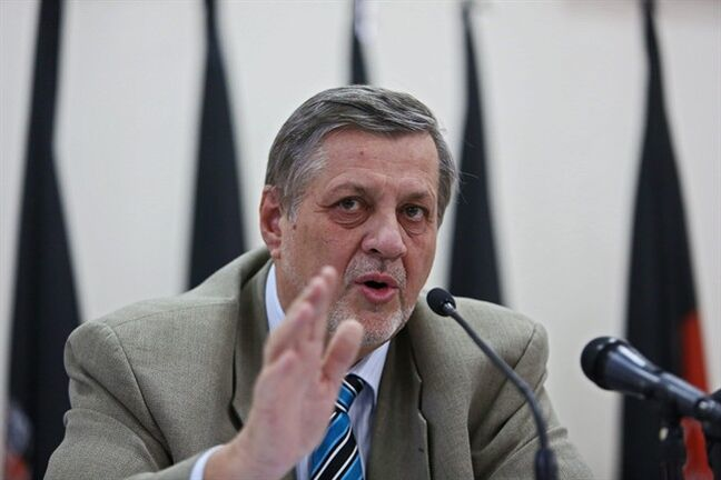 Jan Kubis, United Nation representative for Afghanistan speaks during a joint press conference at the Independent Election Commission office in Kabul, Afghanistan, Sunday, July 13, 2014. Welcoming an agreement between the two top candidates brokered by U.S. Secretary of State John Kerry and the United Nations, Afghanistan's election commission hopes to finish an audit of 23,000 polling stations within three weeks. (AP photo/Rahmat Gul)