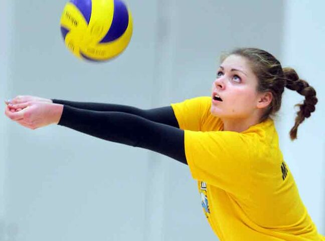 Shanlee McLennan passes the ball during Brandon University Bobcats women's volleyball practice Wednesday.