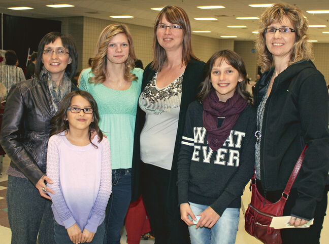 Cindy Desrochers, Olivia Desrochers, Megan Cramer, Cathy Descrochers, Nyah Desrochers and Necole Martens.