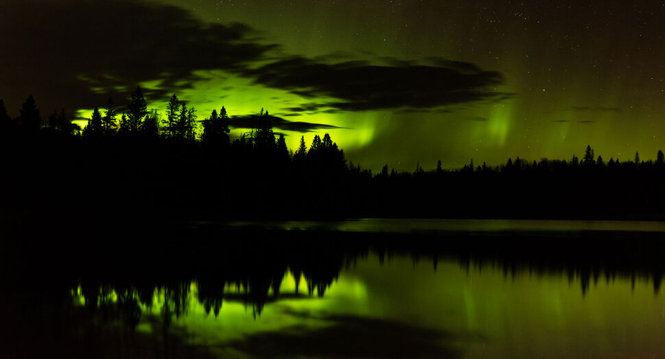 An aurora over Grayling Lake in Riding Mountain National Park. (Craig Taylor photo)
