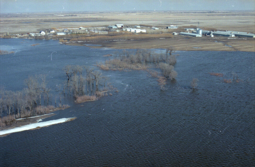 A flooded river is seen from the air in this photo taken during the 1995 spring floods in the Souris and Melita areas. (Dirk Aberson / Brandon Sun archives, April 12, 1995)