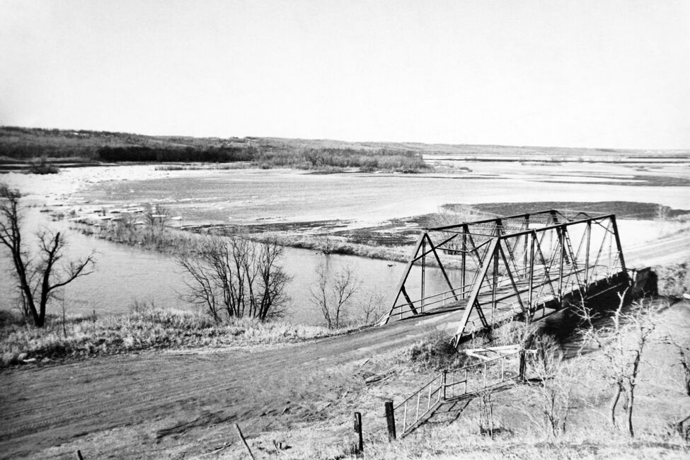 Floodwaters in Westman. Location uncertain.