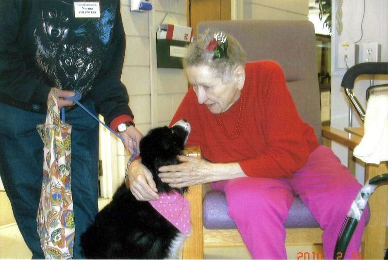 Flipper's visits to a local seniors' home are perfect therapy for residents, both physically and emotionally.