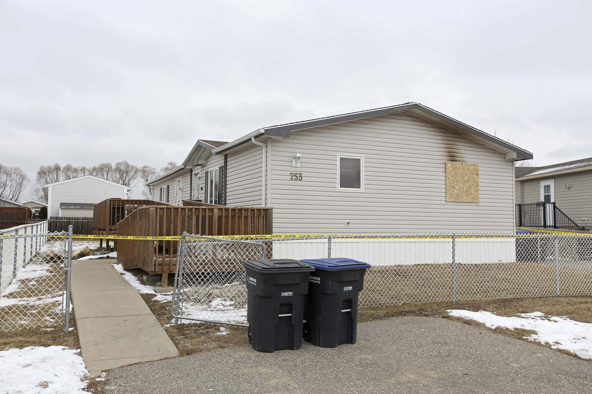 A fire at a home in the Brentwood Mobile Home Park claimed the life of a 46-year-old man on Monday. (Tim Smith/The Brandon Sun)</p></p>