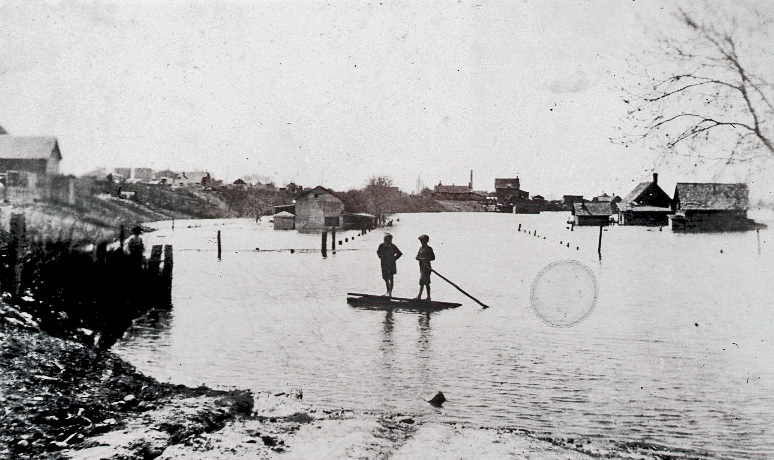 Looking west from 18th Street during May of 1922, when the Assiniboine River spilled over its banks. (Courtesy John Welsted Collection, S.J. McKee Archives)